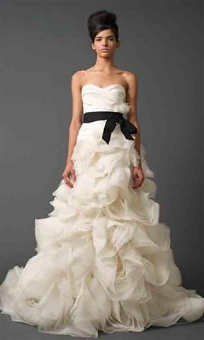 时尚婚纱礼服
